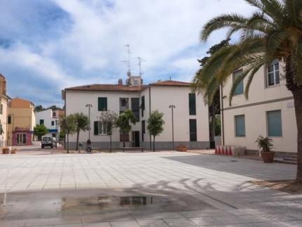 Piazzetta trilocale a Marina di Campo, esterno
