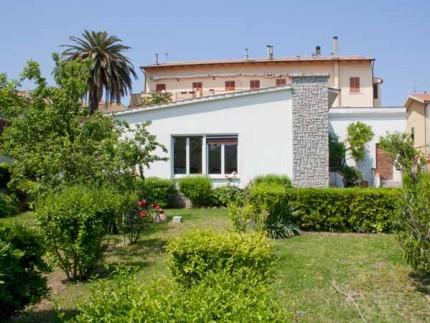 Villa Puccini, Villa zu vermieten auf der Insel Elba, Fassade