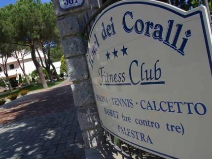 Hotel-dei-Coralli-Marina-di-Campo-ingresso