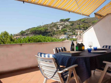 Maestrale , holiday apartment on Elba Island, External table