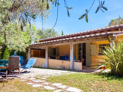 Villetta 27, casa per vacanze a Marina di Campo, cortile d'ingresso