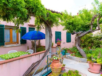 Alice, appartamento per vacanze a Marina di Campo, area esterna
