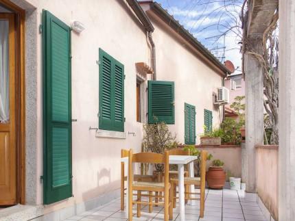 Alice, appartamento per vacanze a Marina di Campo, zona pranzo esterna