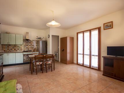 Bilocale Libellula Marina di Campo soggiorno con cucina a vista _1