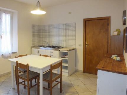 Appartamento Casale al Mare 4 Marina di Campo soggiorno cucina tavolo da pranzo_2