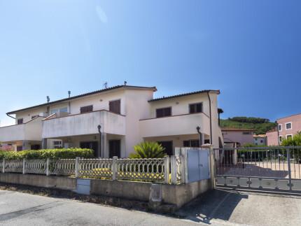 Bilocale Tagi, Marina di Campo,  soggiorno con angolo cottura