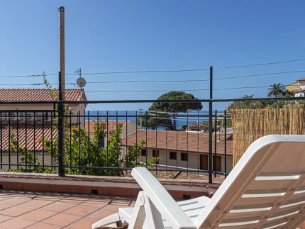 Appartamento Nepitella Marina di Campo sdraio con vista mare
