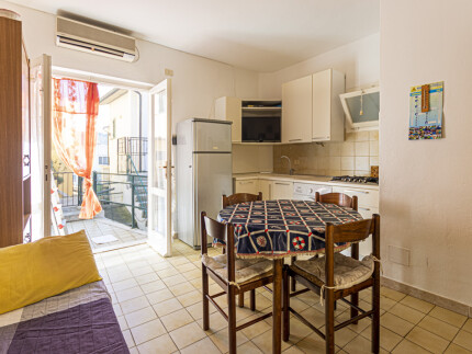 Salvia, Secchetto two-room apartment, kitchenette with sofa, with sofa, table and entrance, Elba Island